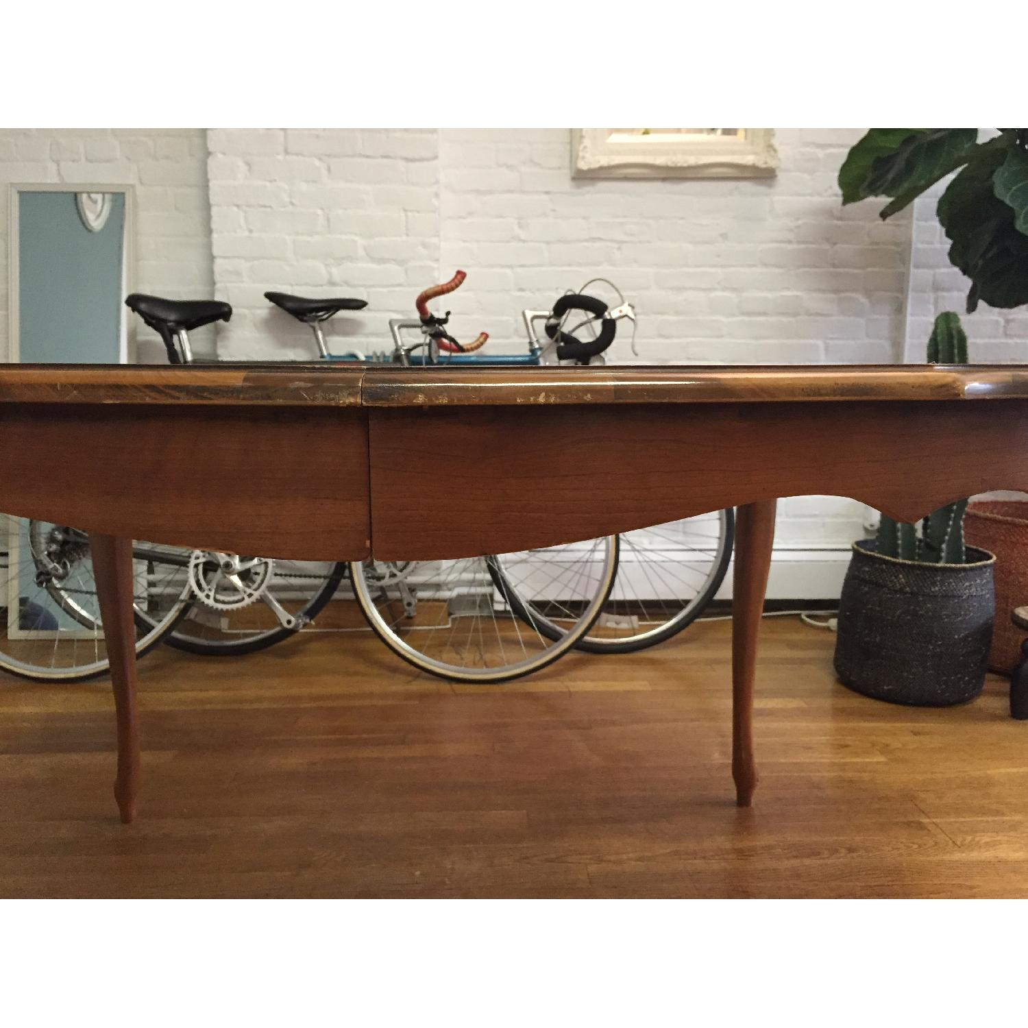 Mid-Century Queen-Anne Leg Dining Table - image-8