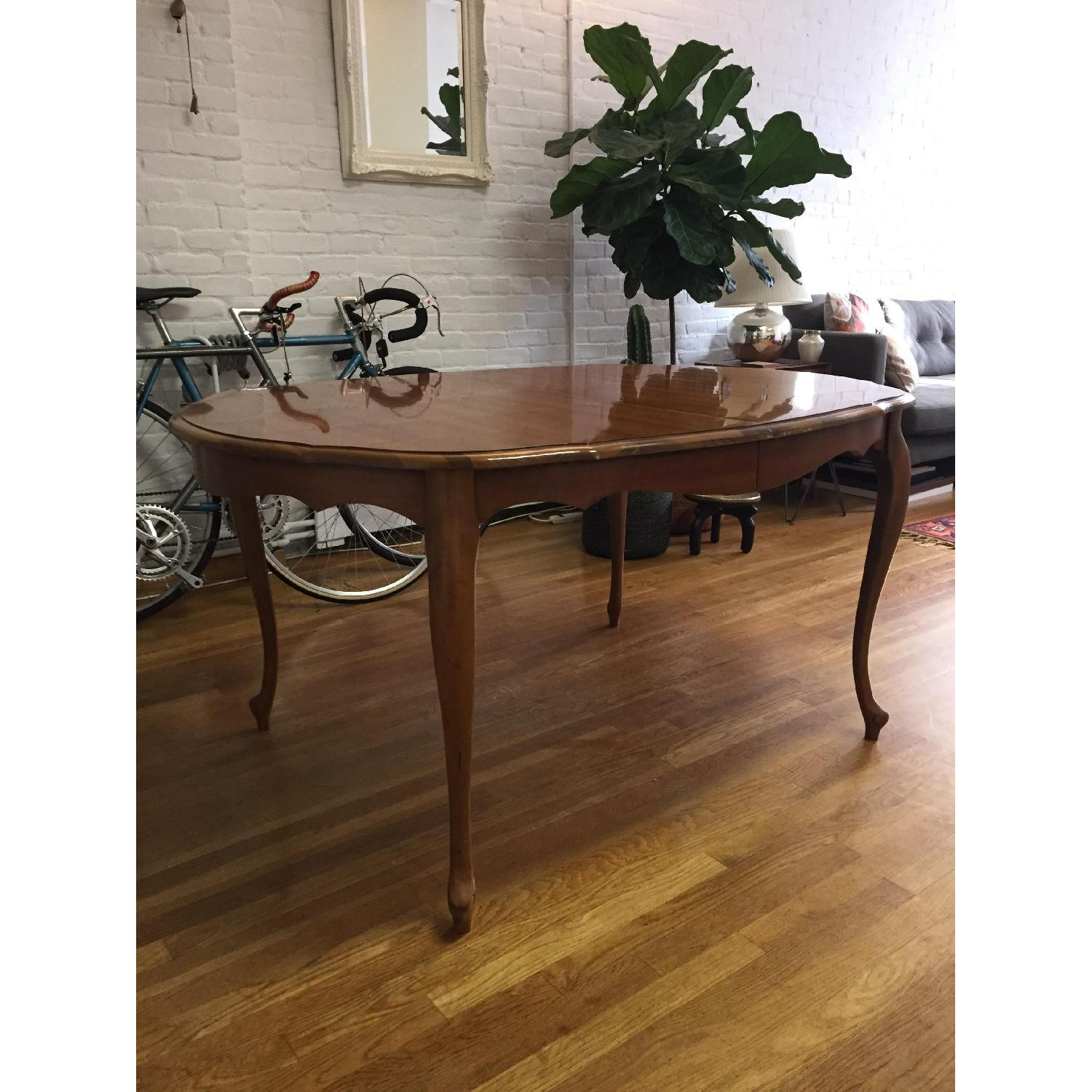 Mid-Century Queen-Anne Leg Dining Table - image-11