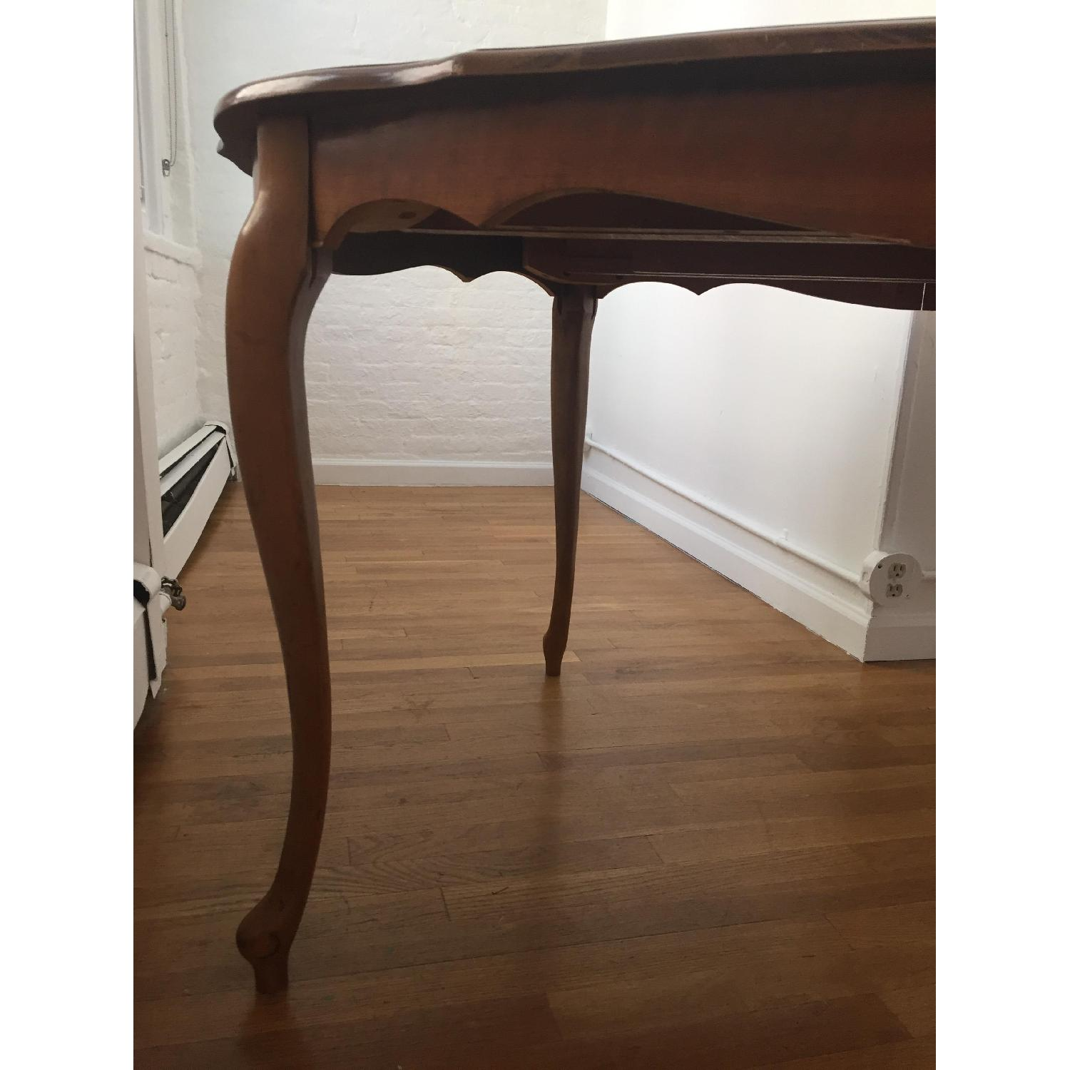 Mid-Century Queen-Anne Leg Dining Table - image-12