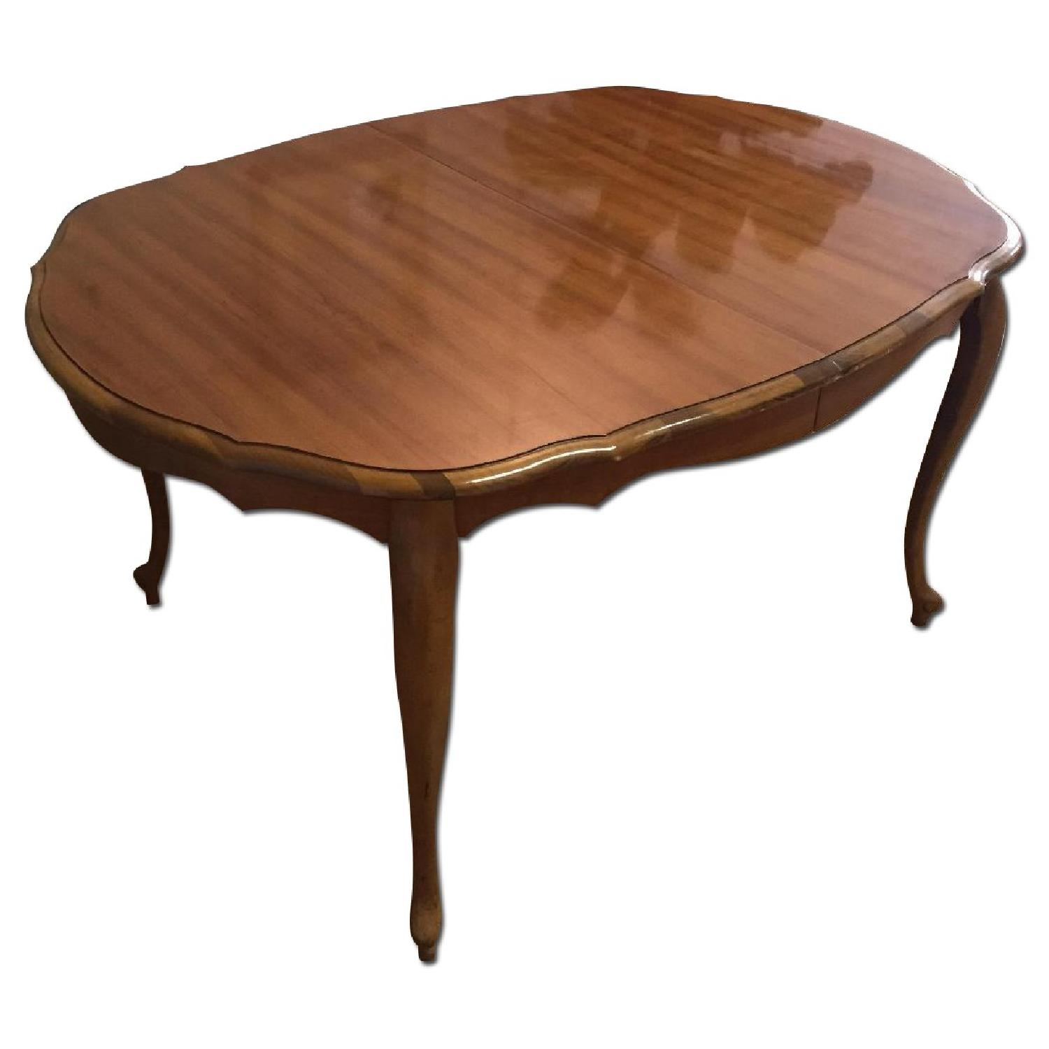 Mid-Century Queen-Anne Leg Dining Table - image-0