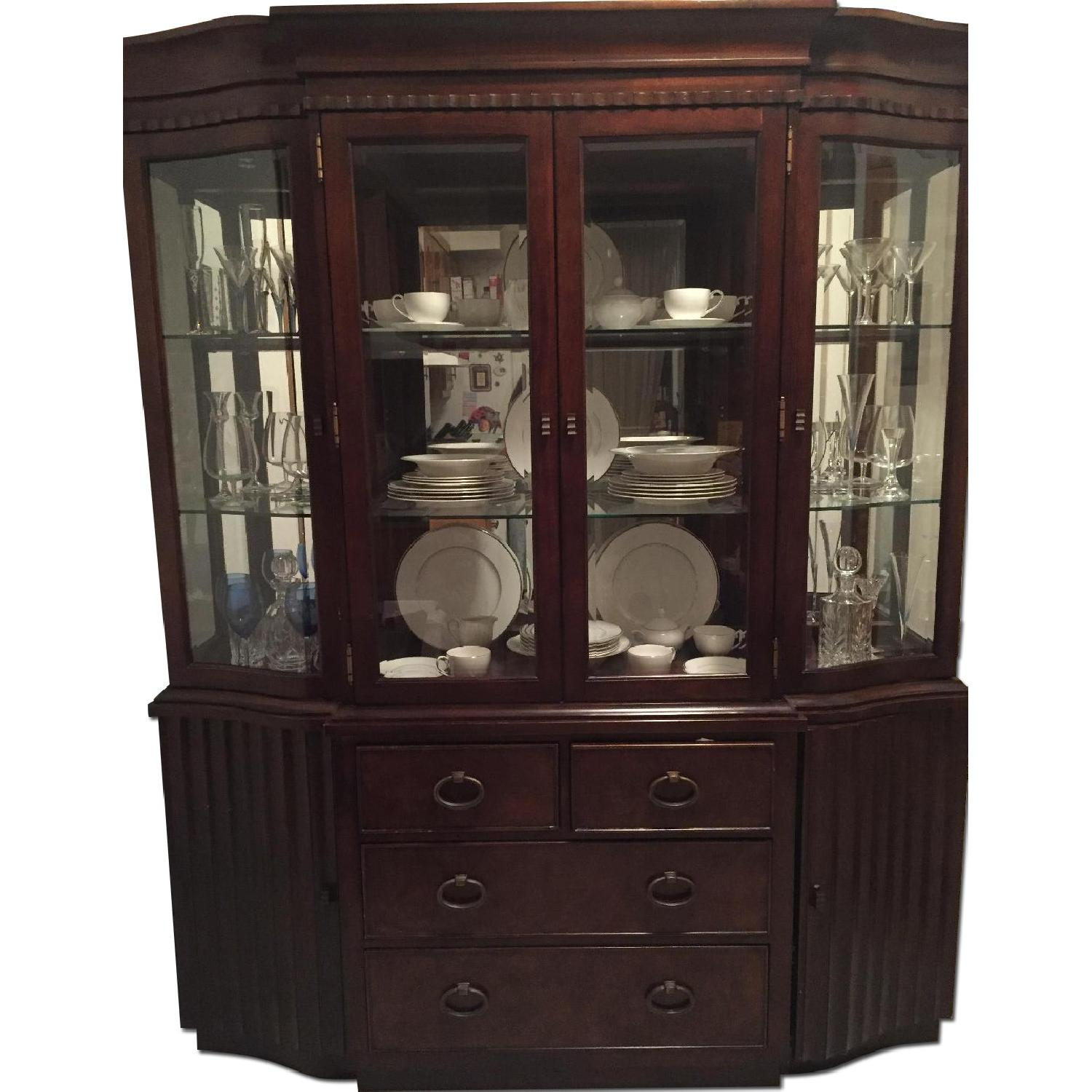 Expandable Dining Table w/ 6 Chairs + China Closet - image-0