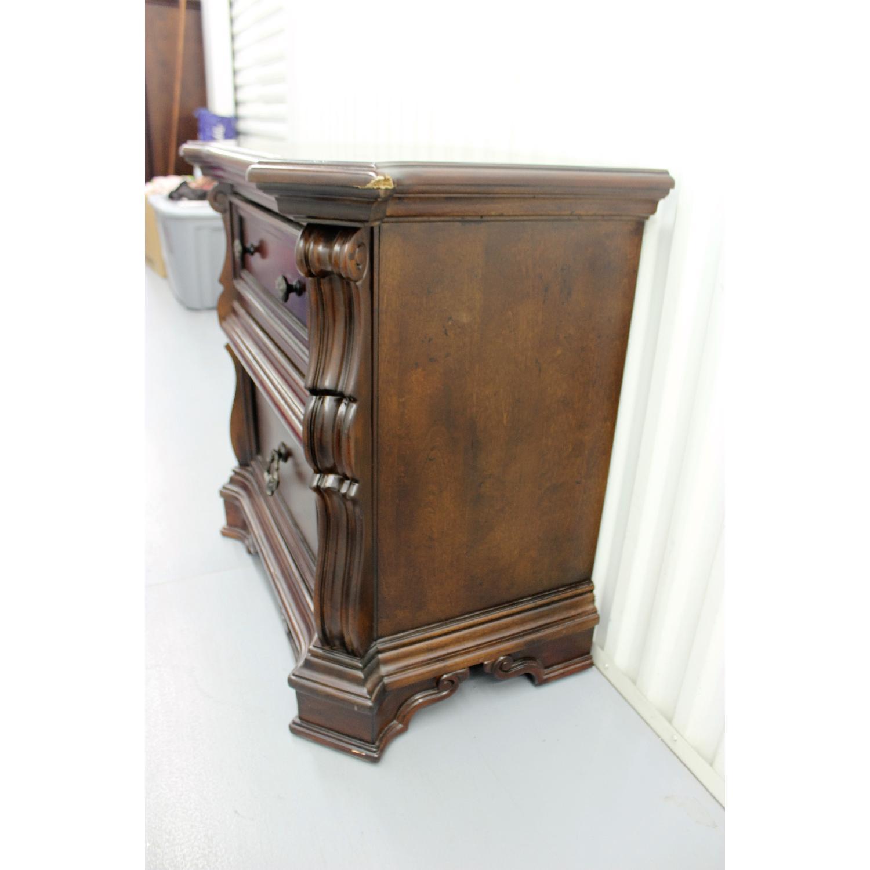 Liberty Furniture Vienna Nightstand + Dresser + Chest - image-3