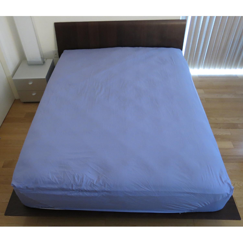 Design Within Reach Leggero Platform Queen Bed - image-1