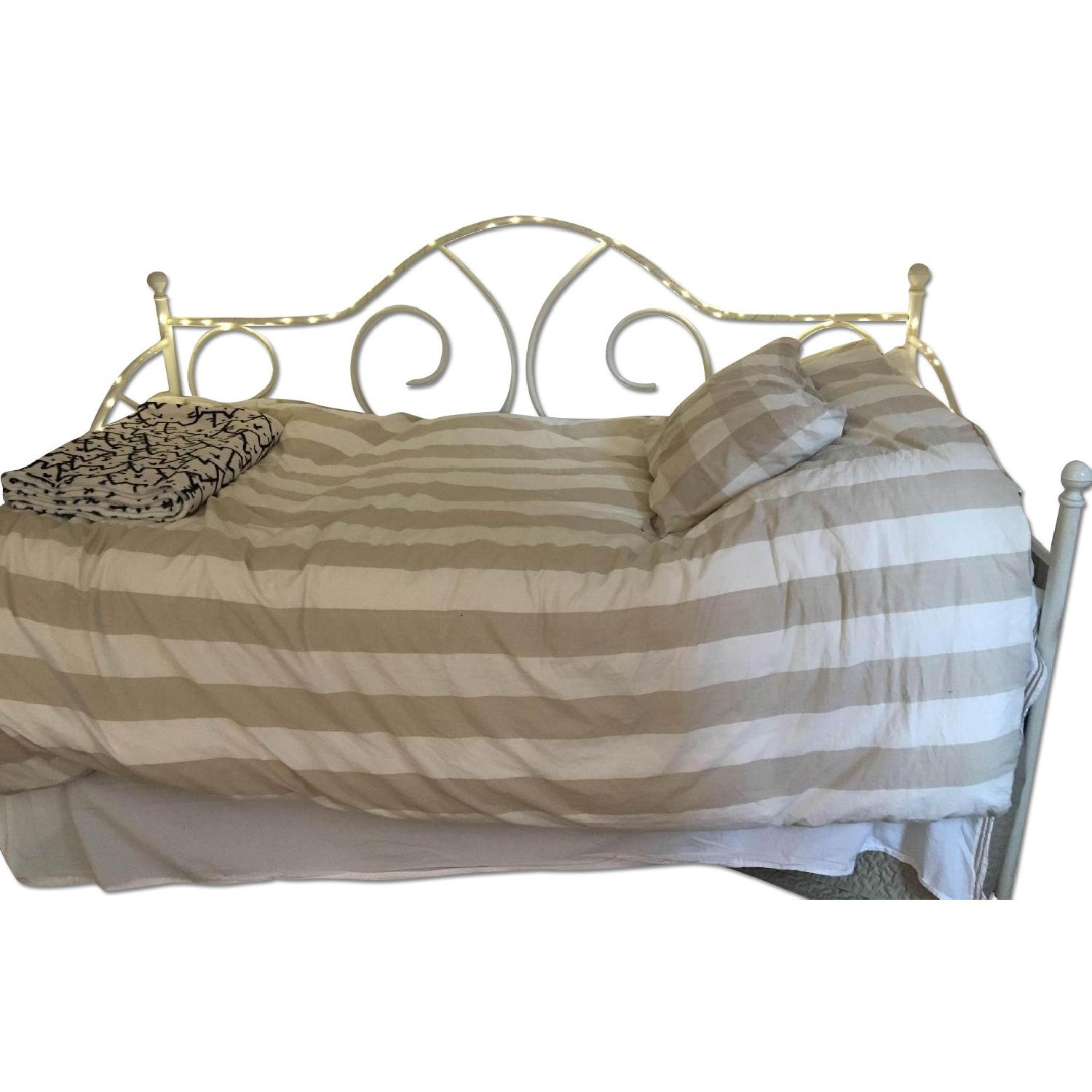 Pottery Barn Ivory Daybed - image-0