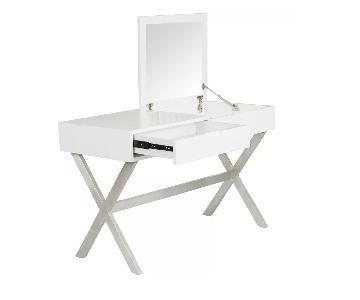 Wade Logan Clancy Desk/Vanity w/ Mirror