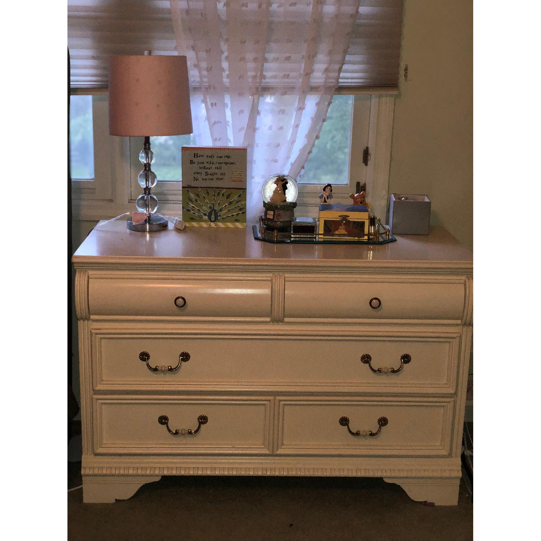 Image of: Lexington Furniture Country Cottage Series 509 Dresser Aptdeco