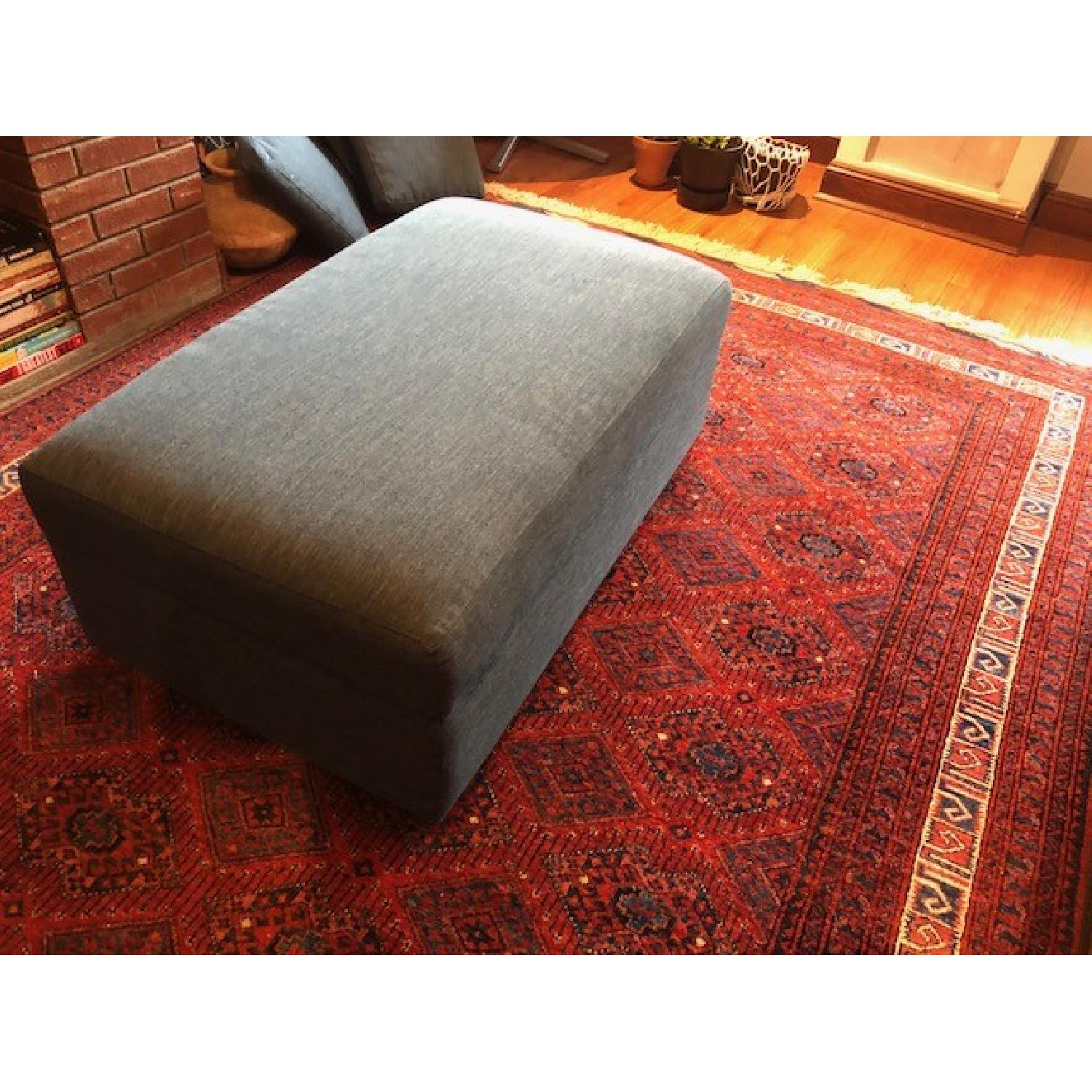 Crate & Barrel Lounge II Apartment Sofa & Ottoman-7