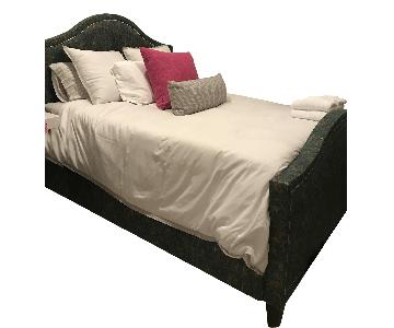 Lee Industries Queen Size Upholstered Bed