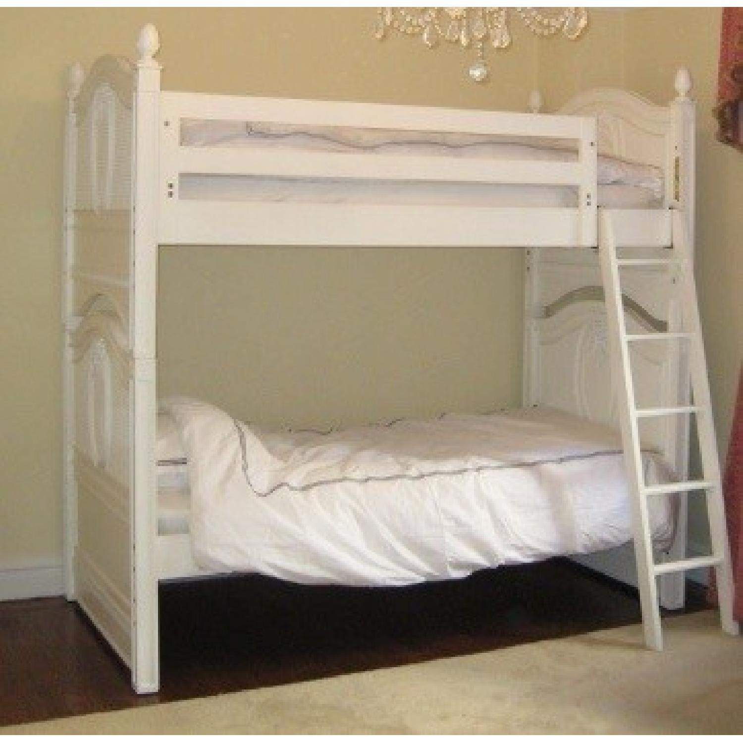 Picture of: Stanley Furniture Young America Isabella Twin Over Twin Bunk Aptdeco