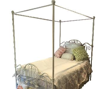 Iron Full Poster Bed w/ Trundle