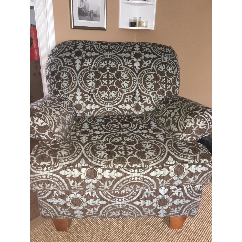 Raymour & Flanigan Vegas Lounge Chair - AptDeco