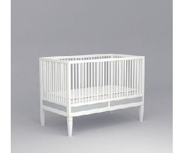 DucDuc Savannah Crib in White w/ Silver Detail