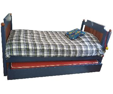 Kid's Supply Swansneck Daybed w/ Trundle