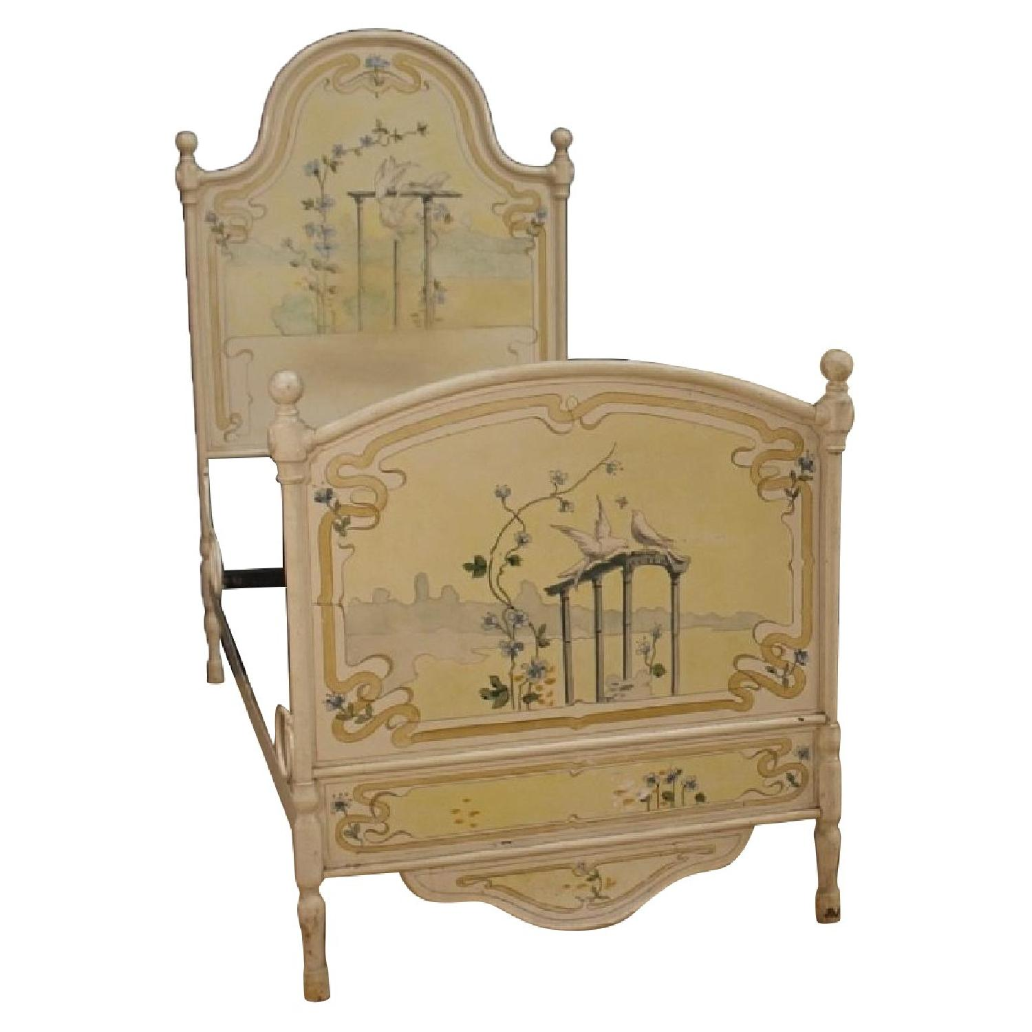 Italian Twin Beds in Lacquered & Painted Iron