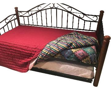 Metal & Wood Frame Daybed w/ Trundle