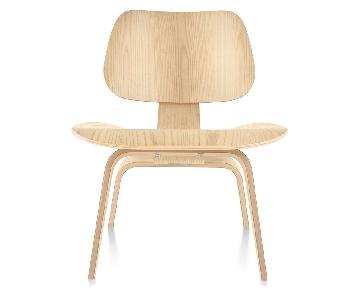 Eames Molded Plywood Lounge Chair in White Ash