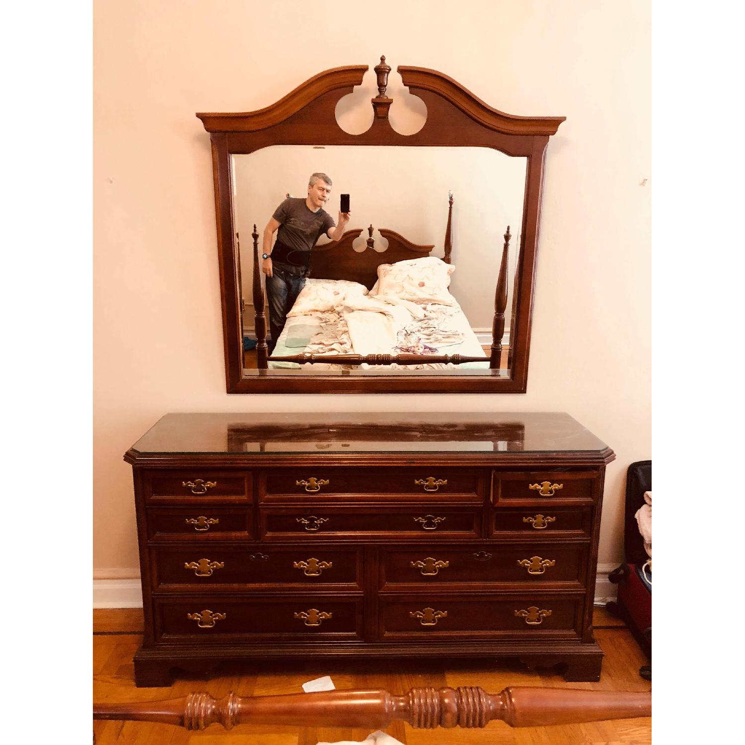 ... Bassett Furniture Dresser W/ Mirror U0026 Protection Glass 0 ...