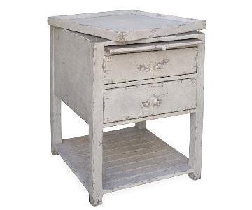 Mulligan's Removable Tray Side Table in Distressed Wood