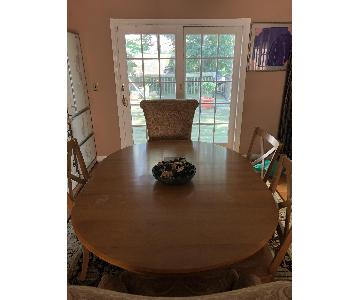 Ethan Allen Dining Table w/ 4 Chairs