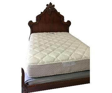Hickory Chair Queen Size Wood Bed