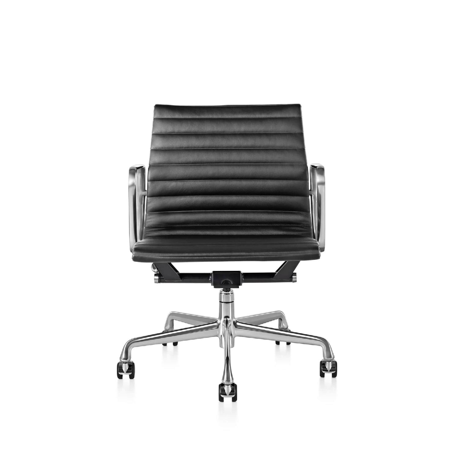 Herman Miller Eames Management Chair ...