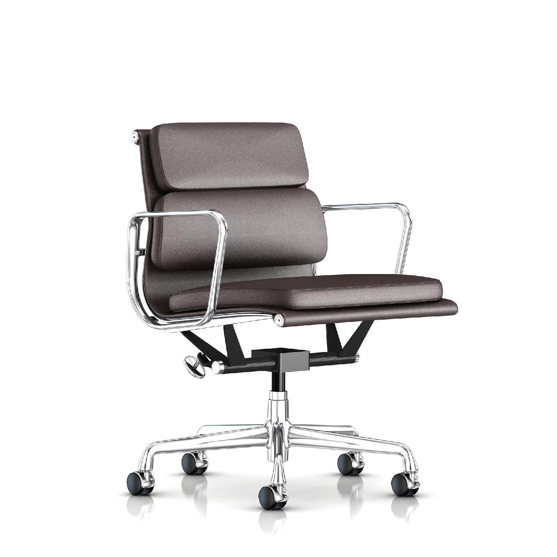 Herman Miller Eames Management Chair ...