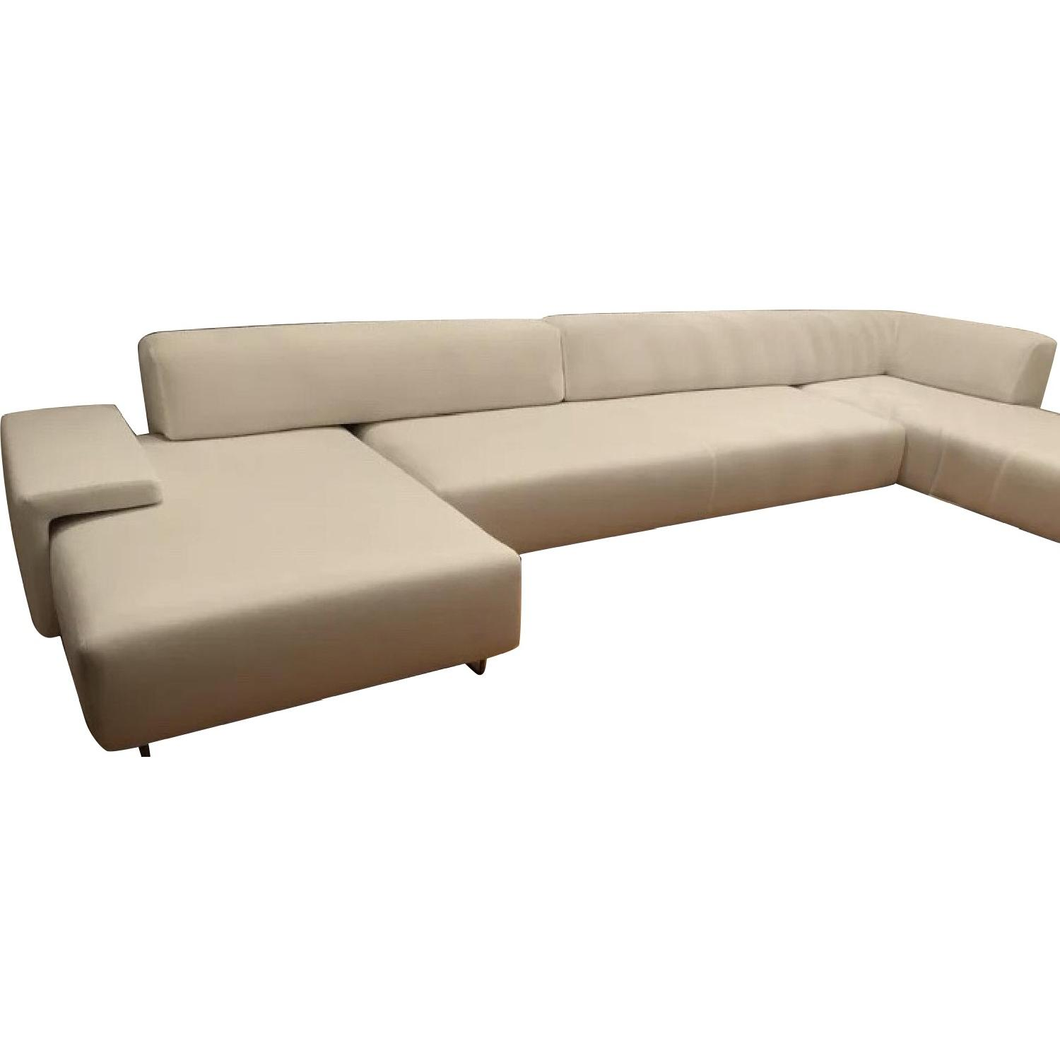 Moroso Italia Lowland Contemporary White Sectional Sofa Aptdeco