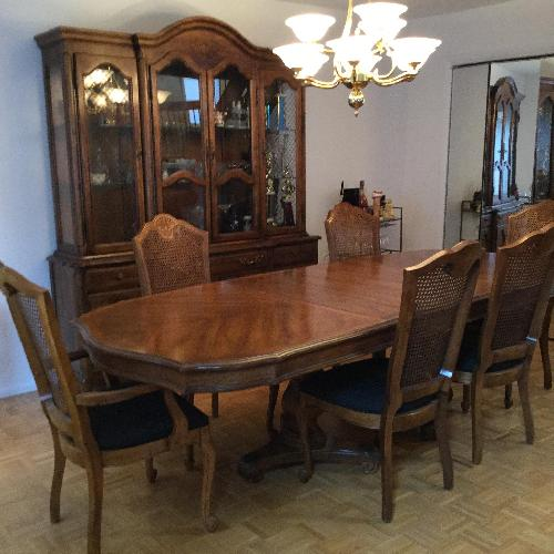 Used Huffman Koos Traditional Wood 7-Piece Expandable Dining Set for sale on AptDeco