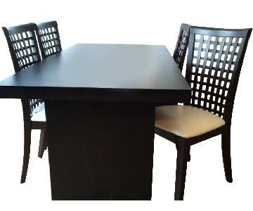 BoConcept Dining Table in Wenge