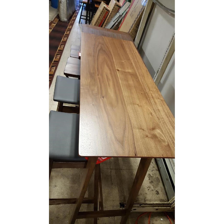 Picture of: Mid Century Modern Bar Table W 2 Stools Aptdeco