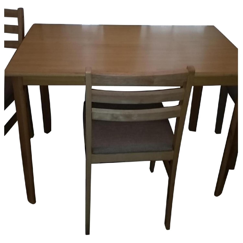 Wayfair Dining Table w/ 4 Chairs ...  sc 1 st  AptDeco & Wayfair Dining Table w/ 4 Chairs - AptDeco