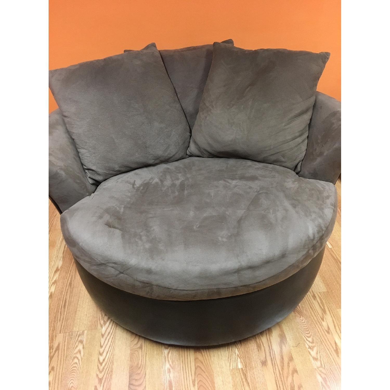... Jackson Furniture Co Suede U0026 Leather Circular Swivel Chair 1 ...