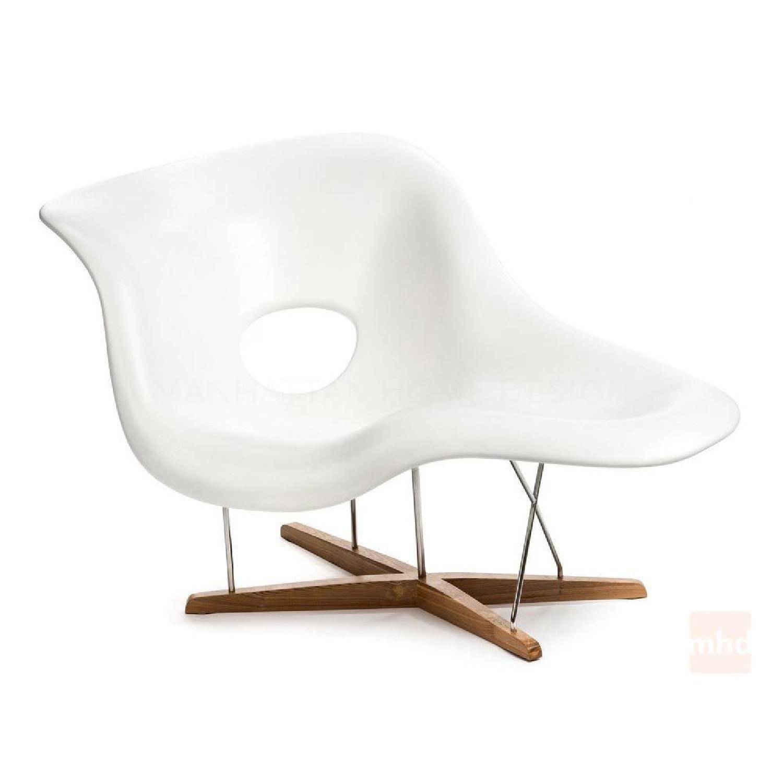 Eames La Chaise Replica
