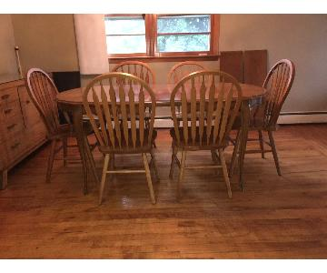 Vintage Expandable Wood Dining Table w/ 6 Chairs