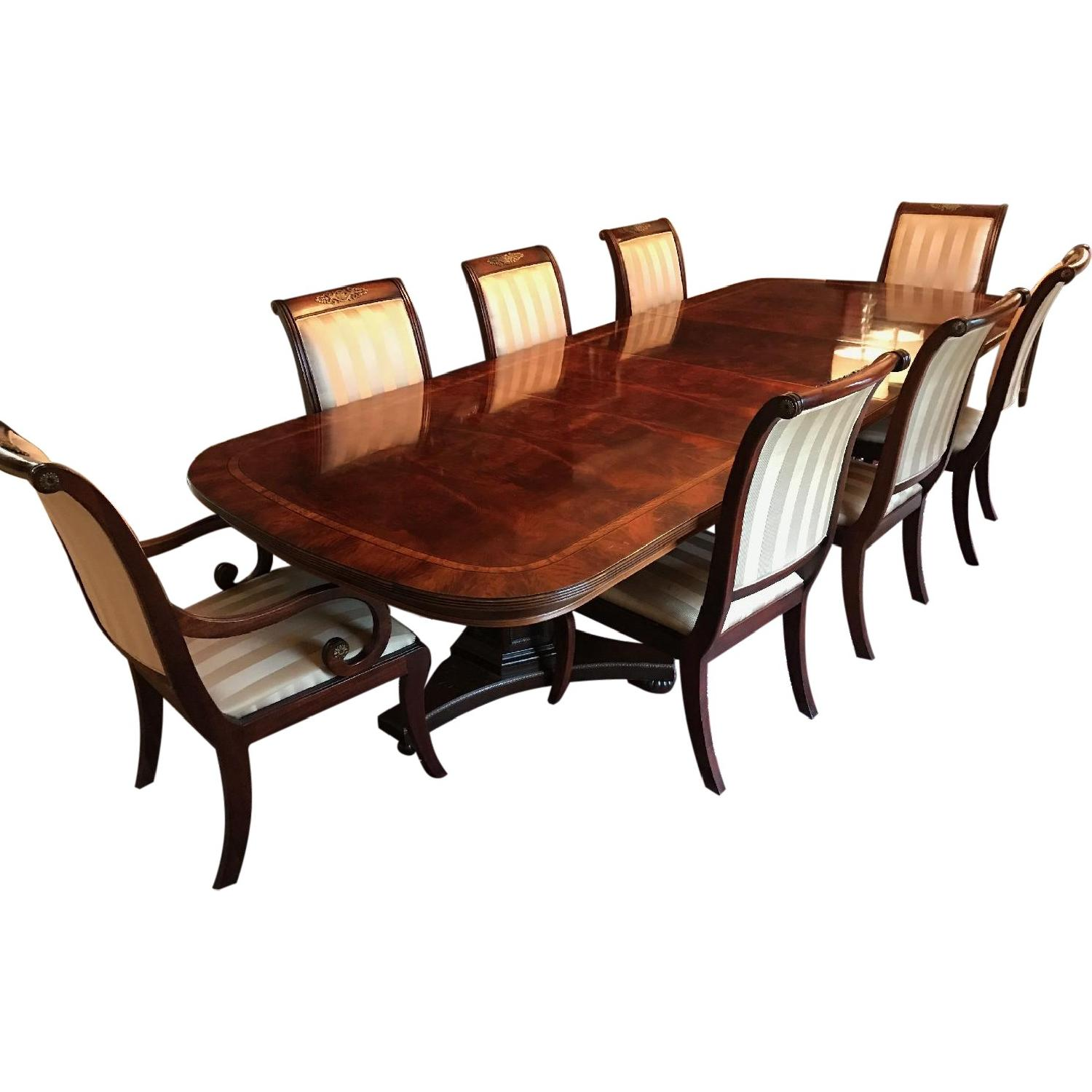 Henredon Dining Room Table W/ 8 Chairs ...