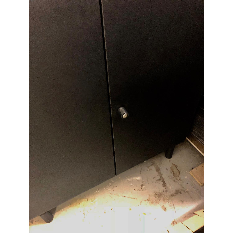 Vitra Memo 2 Door Cabinet