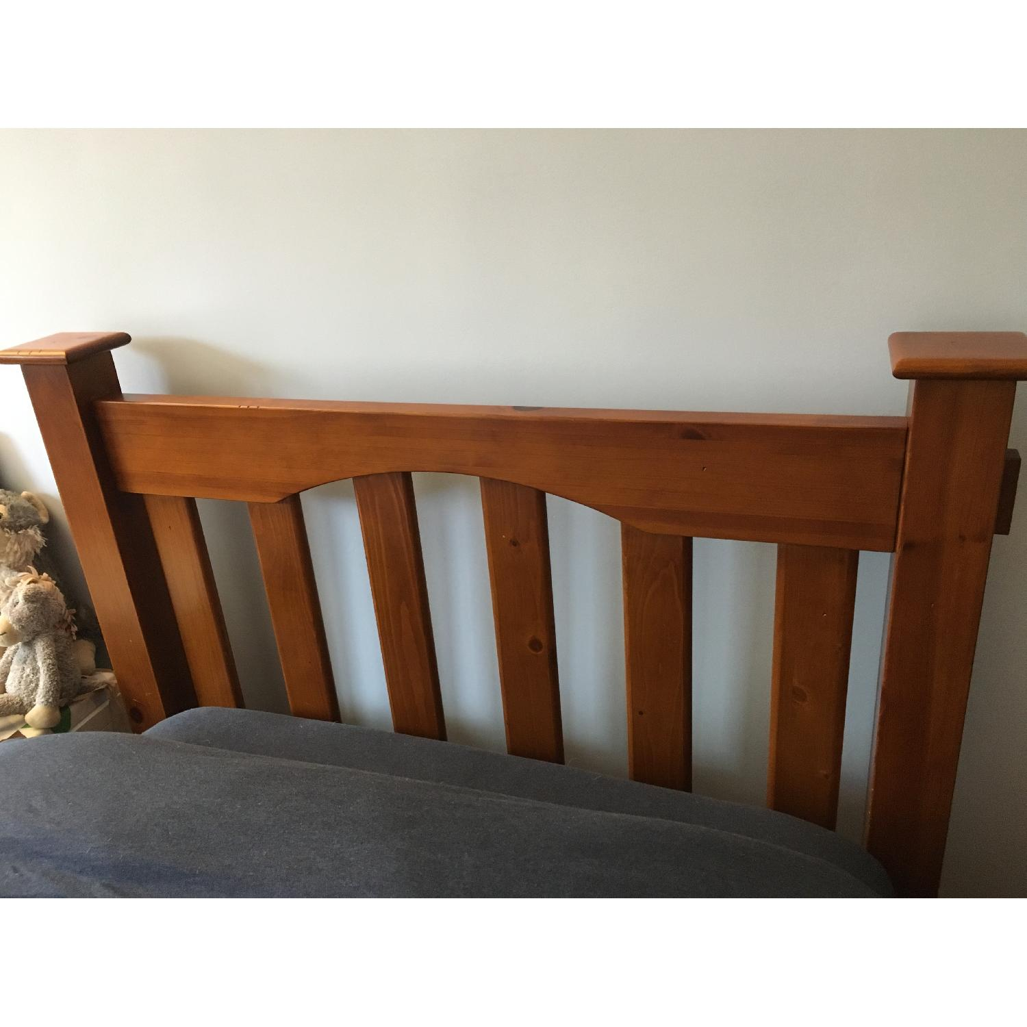 Pottery Barn Kendall Twin Bed w/ Trundle - image-5