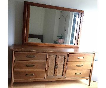 Stanley Mid-Century Modern Vintage Dresser w/ Mirror