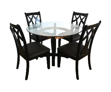 Raymour & Flanigan Glass Top Dining Table w/ 4 Chairs
