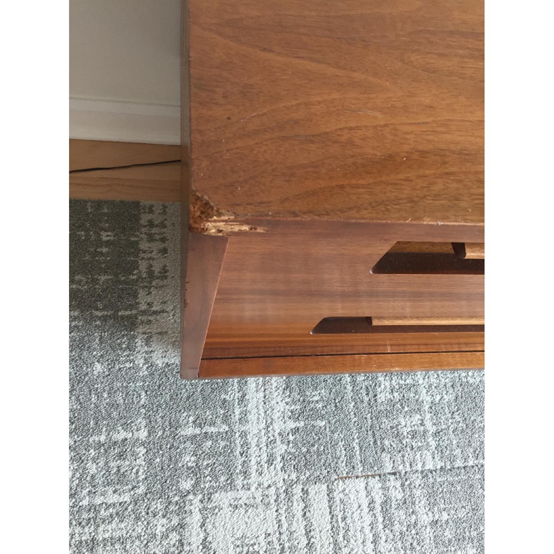 Vintage Mid-Century Modern Credenza/Sideboard - AptDeco on modern sideboard with mirror, modern sideboard kitchen, modern sideboard bookshelf, modern sideboard bar,