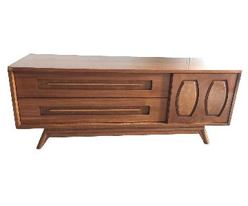 Vintage Mid-Century Modern Credenza/Sideboard