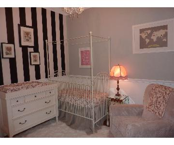 Bratt Decor Parisian Crib