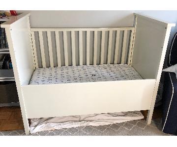 Bratt Decor Convertible Crib to Toddler Bed