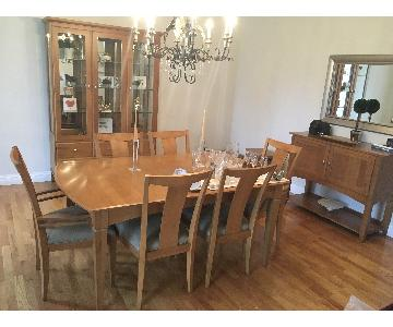 Ethan Allen Dining Table w/ 6 Chairs