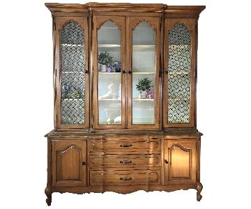 Thomasville Vintage French Provincial China Cabinet