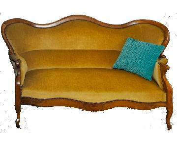 French Napoleon III Sofa in Walnut