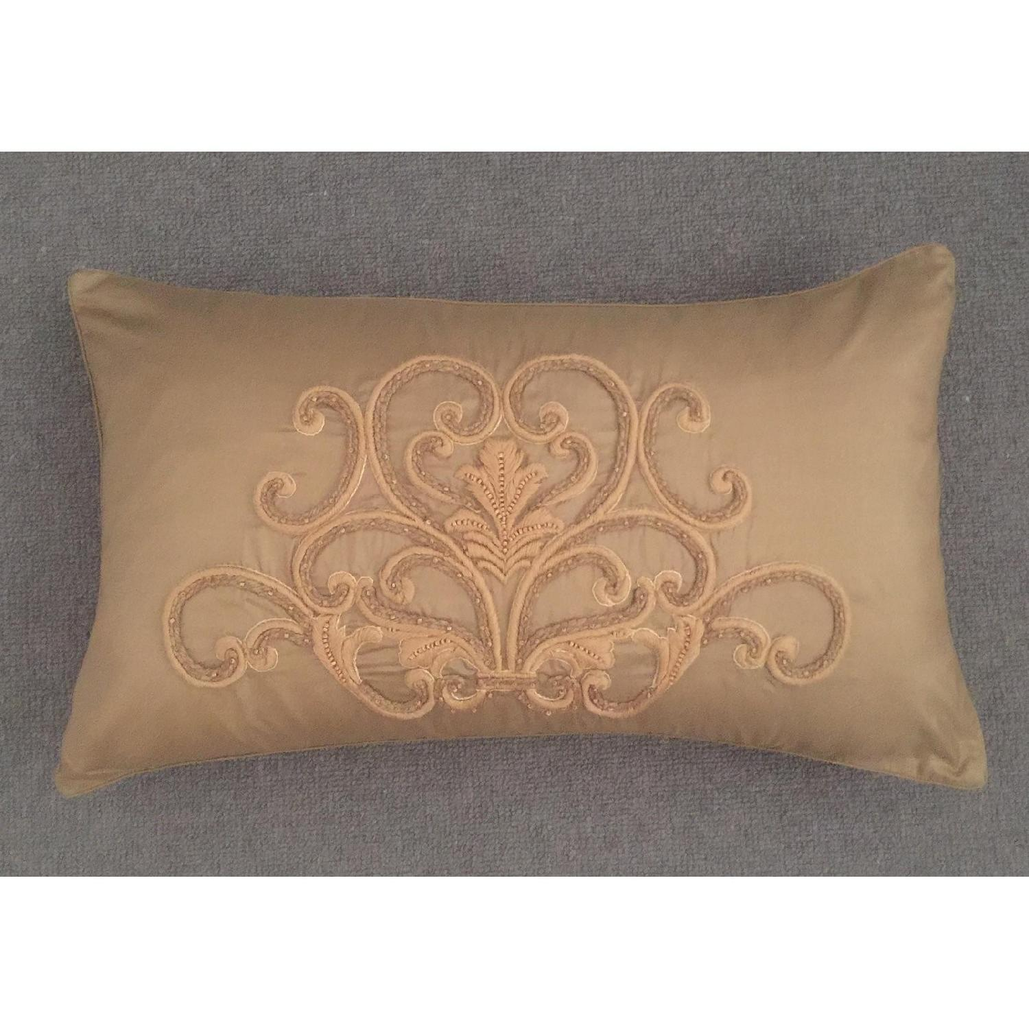 Scroll Medallion Throw Pillow-0