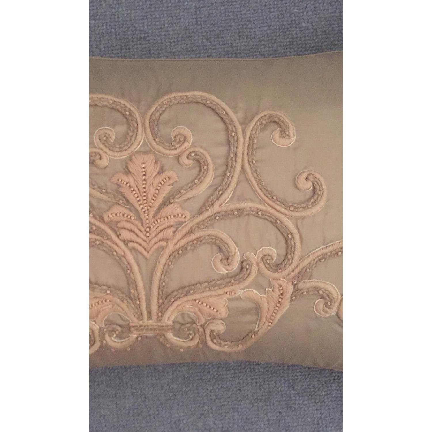 Scroll Medallion Throw Pillow-1