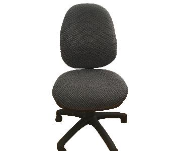 Office Chair w/ Tilt Lock in Fabric Padded Cushions