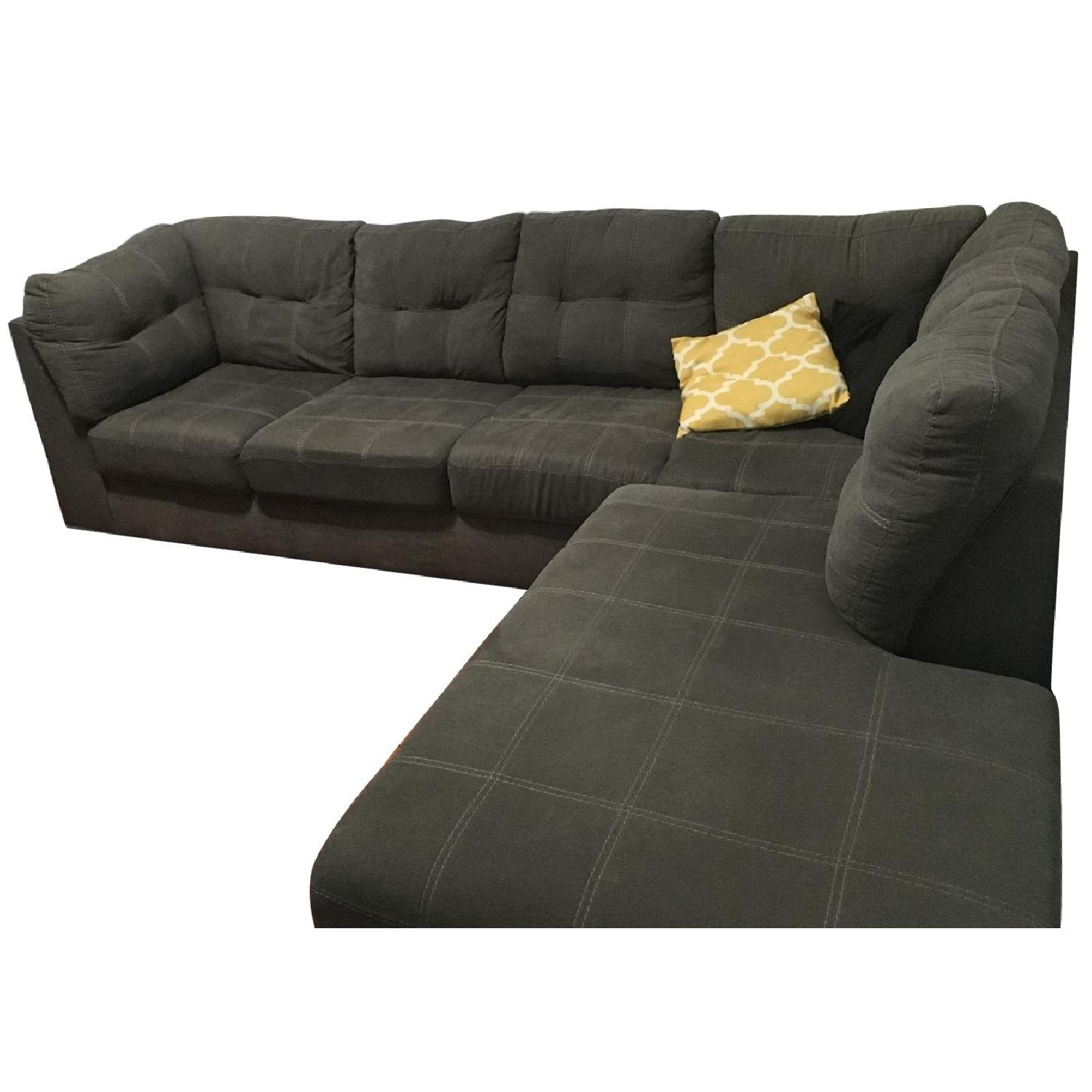Picture of: Ashley 2 Piece Grey Tufted Sectional Sofa Aptdeco